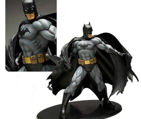 Batman-Black-Costume-ArtFX-Statue