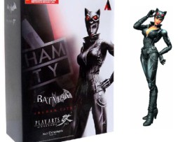 batman-arkham-city-play-arts-kai-catwoman-figure-12